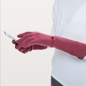 Lululemon Scroll On Knit Gloves Misty Merlot M/L